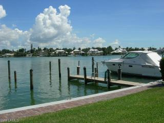 Rental Moorings Naples